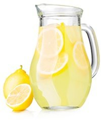 Lemonade Pitcher with Lemon Slices