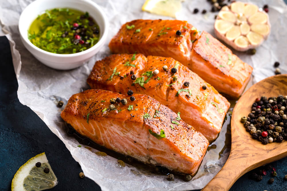 "salmão ""width ="" 1000 ""height ="" 667 ""srcset ="" https://mejorconsalud.com/wp-content/uploads/2018/04/ benefits-of-consume-salmon.jpg 1000w, https://mejorconsalud.com/wp-content/uploads/2018/04/benefits-of-consuming-salmon-378x252.jpg 378w, https://mejorconsalud.com/ wp-content / uploads / 2018/04 / benefícios-de-consumir-salmon-768x512.jpg 768w, https://mejorconsalud.com/wp-content/uploads/2018/04/benefits-of-consuming-salmon-500x334 .jpg 500w, https://mejorconsalud.com/wp-content/uploads/2018/04/benefits-of-consuming-salmon-461x307.jpg 461w ""tamanhos ="" (largura max: 1000px) 100vw, 1000px [19659016Salmãocavalaarenqueeoutrasvariedadesdepeixessãofontesimportantesdeácidosgraxosômega3Consuma-ospelomenosduasvezesporsemana</figcaption/></figure> <p> Como esperado, peixe gordo ou peixe azul são os mais conteúdo de ômega-3 (em mg por cento) possui, e entre eles estão: </p> <!-- Quick Adsense WordPress Plugin: http://quickadsense.com/ --> <div class="